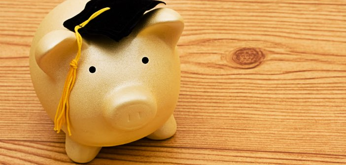How to Be Smart About Credit Card Debt When You Have Student Loans