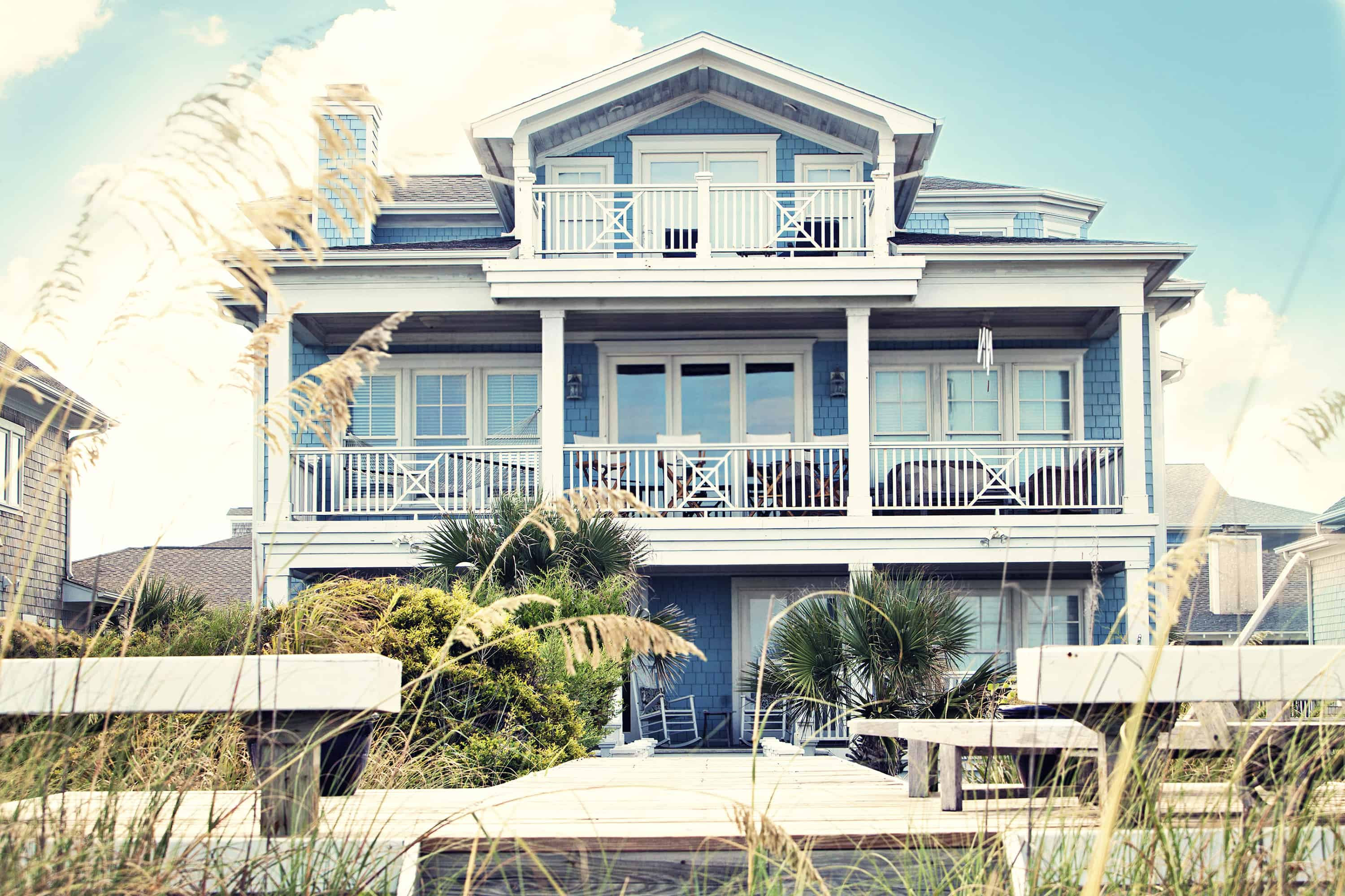5 Tips for Those Looking to Make Their Summer Vacation a Real Estate Tax Write-Off